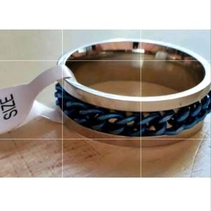 New stainless steel blue chain spinner ring